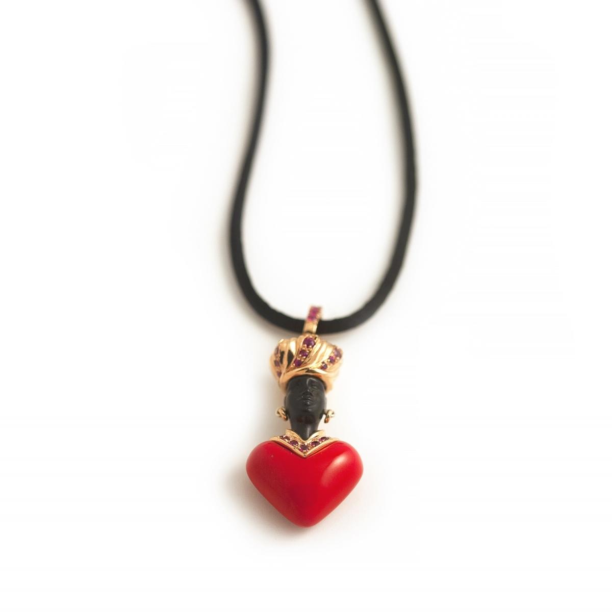 Amoretto pendant